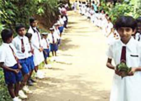 Whittalls helps students in Sidhuhath Vidyalaya in Gallala